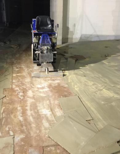 Stripning af linoleumsfliser