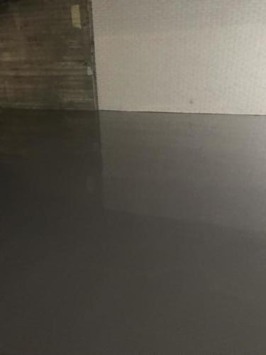 Færdig spartlet gulv